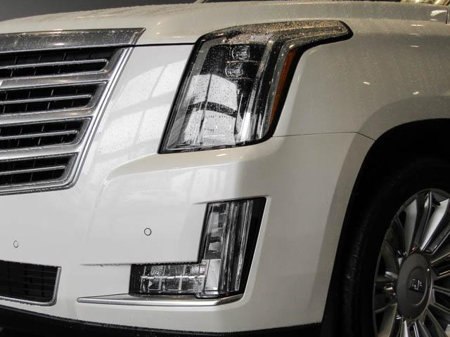 2015 Cadillac Escalade Platinum (Stk: P9-57630) in Burnaby - Image 11 of 26