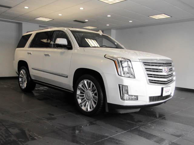 2015 Cadillac Escalade Platinum (Stk: P9-57630) in Burnaby - Image 2 of 26