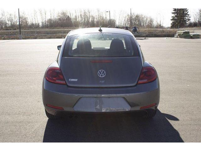 2013 Volkswagen Beetle Highline (Stk: V669) in Prince Albert - Image 6 of 11