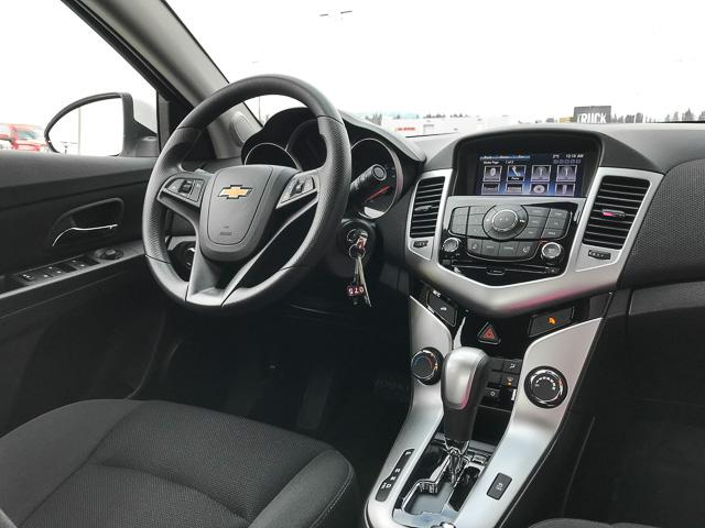 2015 Chevrolet Cruze 1LT (Stk: 972000) in North Vancouver - Image 4 of 27
