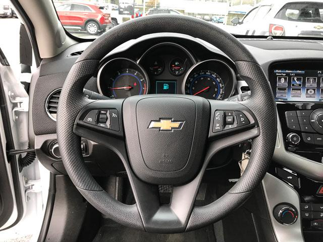 2015 Chevrolet Cruze 1LT (Stk: 972000) in North Vancouver - Image 5 of 27