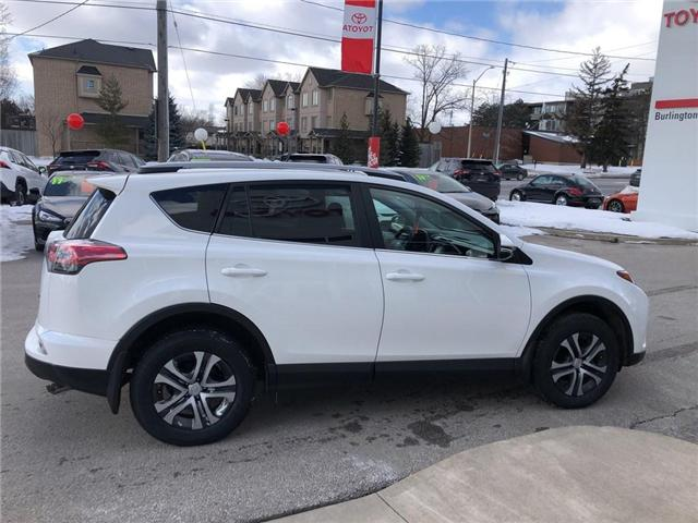 2017 Toyota RAV4 LE (Stk: U10565) in Burlington - Image 6 of 18