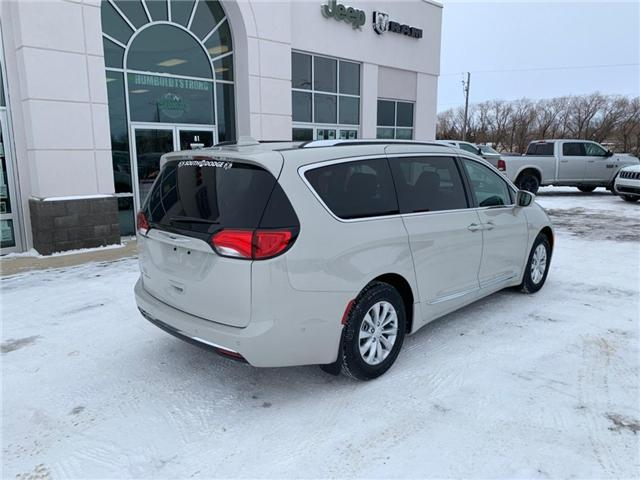 2019 Chrysler Pacifica Touring-L (Stk: 32295) in Humboldt - Image 3 of 21