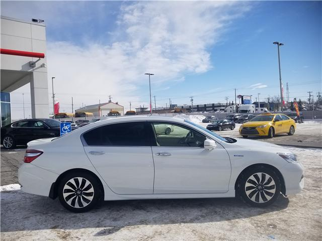 2017 Honda Accord Hybrid Touring (Stk: 6181440A) in Calgary - Image 2 of 30