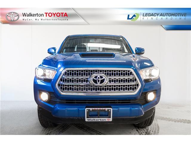 2017 Toyota Tacoma SR5 (Stk: P8124) in Walkerton - Image 2 of 21