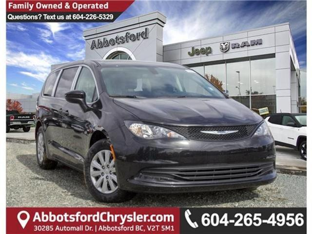 2018 Chrysler Pacifica L (Stk: J148396) in Abbotsford - Image 1 of 23