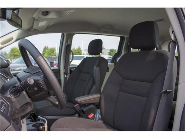 2018 Dodge Grand Caravan CVP/SXT (Stk: J348861) in Abbotsford - Image 10 of 24