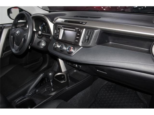 2018 Toyota RAV4 LE (Stk: 297587S) in Markham - Image 16 of 24