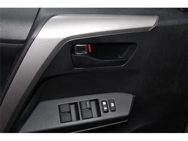 2018 Toyota RAV4 LE (Stk: 297587S) in Markham - Image 6 of 24
