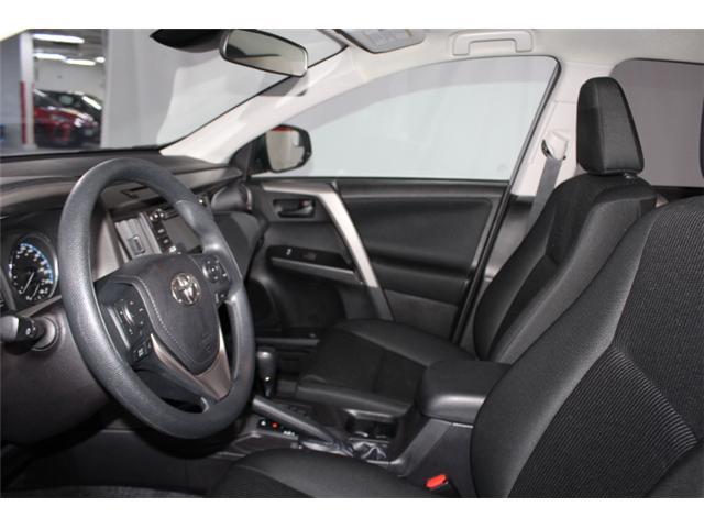 2018 Toyota RAV4 LE (Stk: 297587S) in Markham - Image 7 of 24