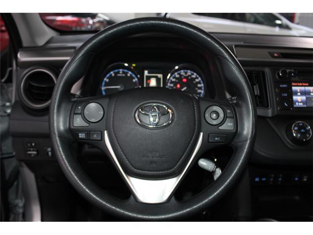 2018 Toyota RAV4 LE (Stk: 297587S) in Markham - Image 9 of 24