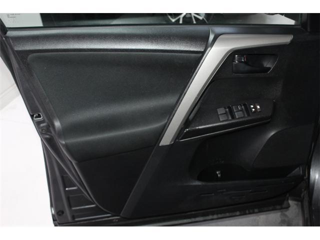 2018 Toyota RAV4 LE (Stk: 297585S) in Markham - Image 5 of 23