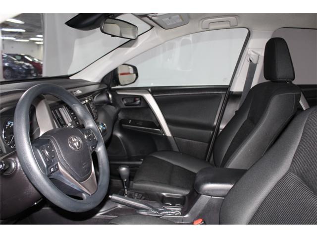 2018 Toyota RAV4 LE (Stk: 297585S) in Markham - Image 7 of 23