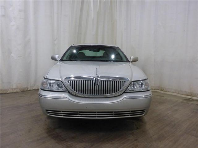 2007 Lincoln Town Car Signature Limited (Stk: 19022789) in Calgary - Image 2 of 29