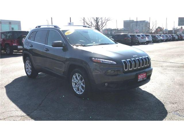 2017 Jeep Cherokee North (Stk: 19592A) in Windsor - Image 2 of 13