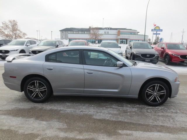 2014 Dodge Charger SXT (Stk: M19025D) in Steinbach - Image 4 of 37