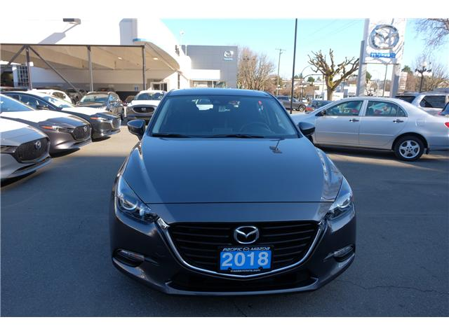 2018 Mazda Mazda3 GS (Stk: 7869A) in Victoria - Image 2 of 16