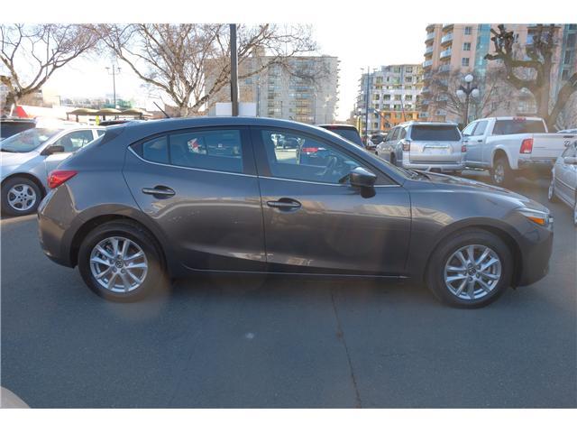 2018 Mazda Mazda3 GS (Stk: 7869A) in Victoria - Image 8 of 16