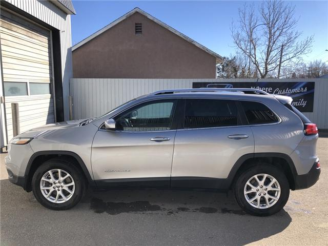 2016 Jeep Cherokee North (Stk: 8607) in Fort Macleod - Image 2 of 22