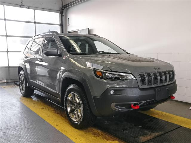 2019 Jeep Cherokee Trailhawk (Stk: K006470) in Burnaby - Image 2 of 11