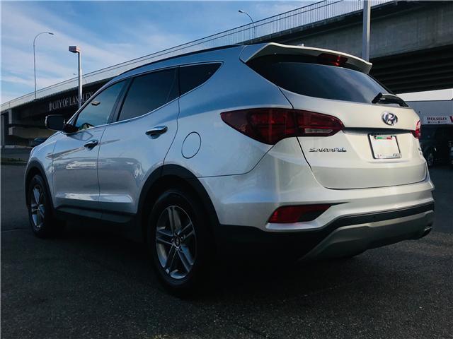 2018 Hyundai Santa Fe Sport 2.4 Premium (Stk: LF009820) in Surrey - Image 6 of 28