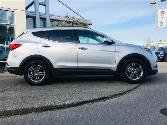 2018 Hyundai Santa Fe Sport 2.4 Premium (Stk: LF009820) in Surrey - Image 10 of 28