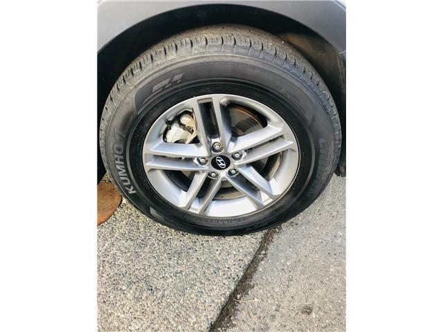 2018 Hyundai Santa Fe Sport 2.4 Premium (Stk: LF009820) in Surrey - Image 26 of 28