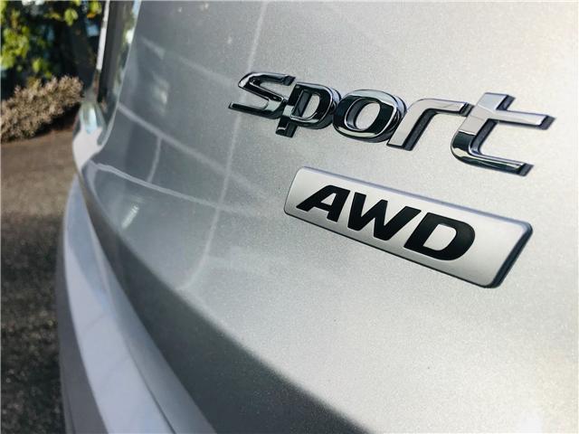 2018 Hyundai Santa Fe Sport 2.4 Premium (Stk: LF009820) in Surrey - Image 11 of 28