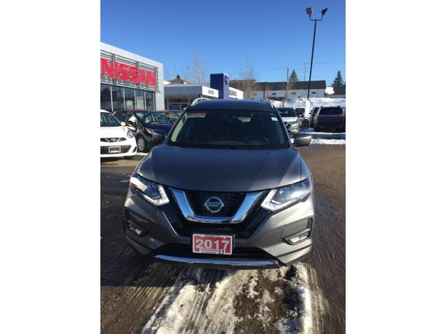 2017 Nissan Rogue SV (Stk: UC137) in Bracebridge - Image 2 of 9