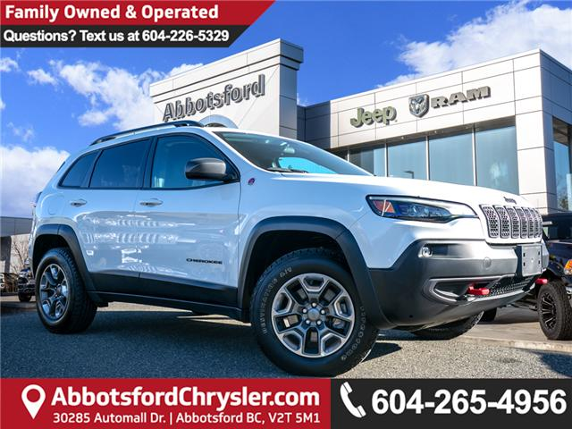 2019 Jeep Cherokee Trailhawk (Stk: AB0830) in Abbotsford - Image 1 of 23
