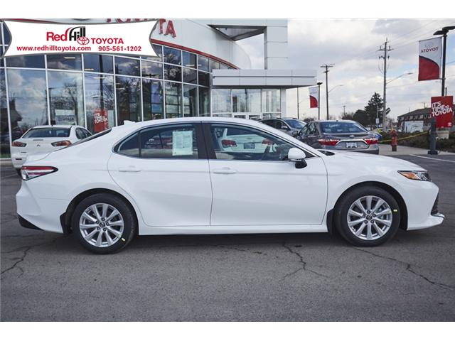 2019 Toyota Camry LE (Stk: 19507) in Hamilton - Image 5 of 12