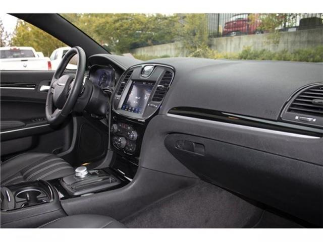 2018 Chrysler 300 S (Stk: AB0754) in Abbotsford - Image 20 of 28