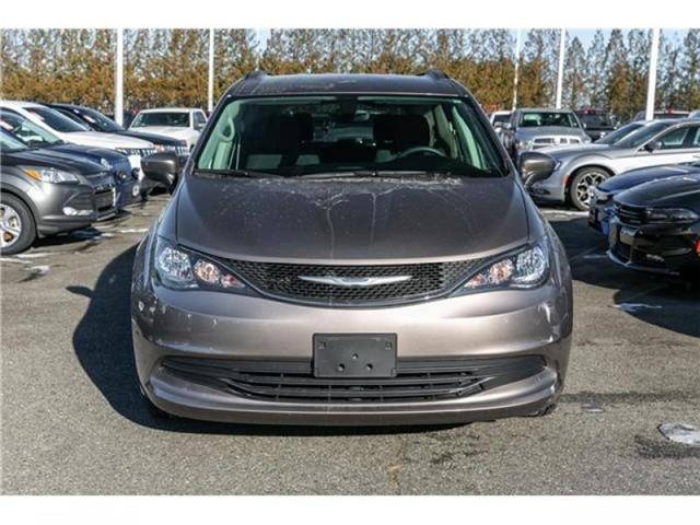 2017 Chrysler Pacifica Touring (Stk: AG0817) in Abbotsford - Image 2 of 22