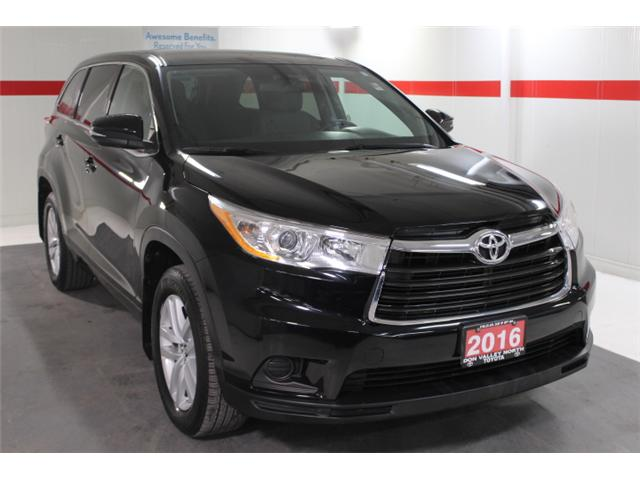 2016 Toyota Highlander LE (Stk: 297590S) in Markham - Image 2 of 24