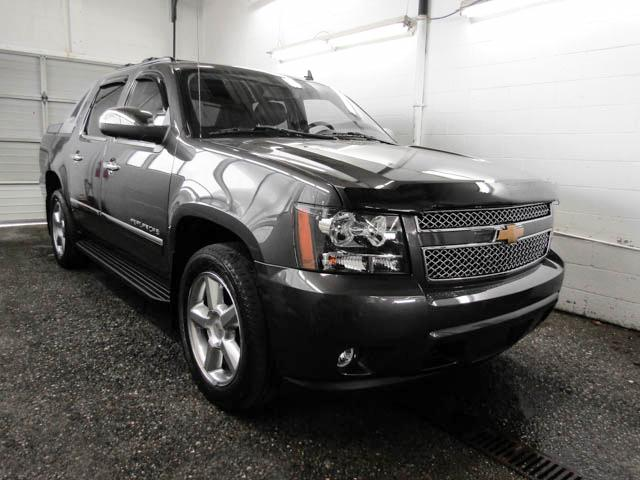 2011 Chevrolet Avalanche 1500 LTZ (Stk: 89-95931) in Burnaby - Image 2 of 25