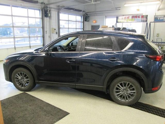 2017 Mazda CX-5 GX (Stk: 203631) in Gloucester - Image 2 of 20