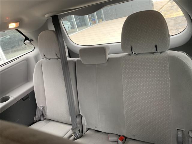 2018 Toyota Sienna LE 7-Passenger (Stk: 21690) in Pembroke - Image 5 of 12