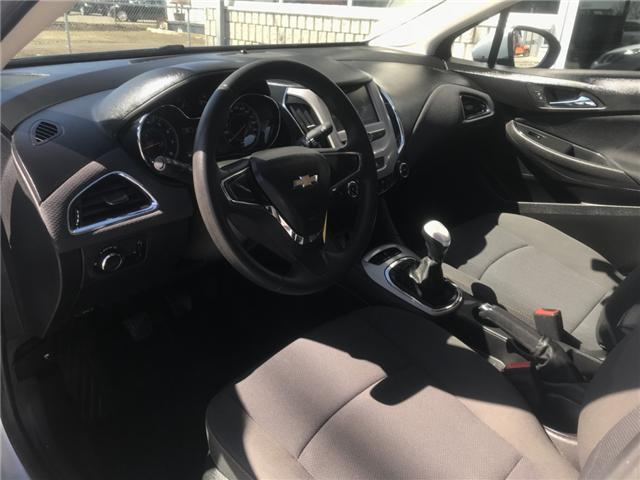 2017 Chevrolet Cruze LS Manual (Stk: 19267) in Chatham - Image 9 of 19