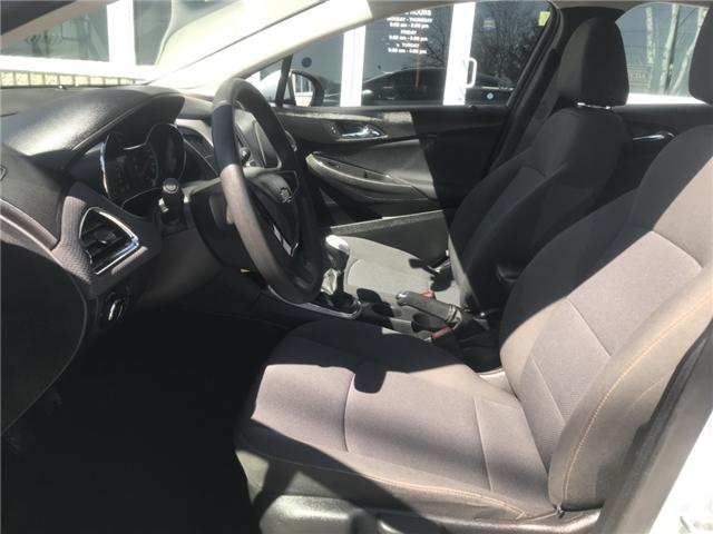 2017 Chevrolet Cruze LS Manual (Stk: 19267) in Chatham - Image 11 of 19