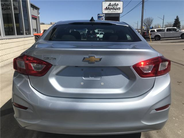 2017 Chevrolet Cruze LS Manual (Stk: 19267) in Chatham - Image 6 of 19