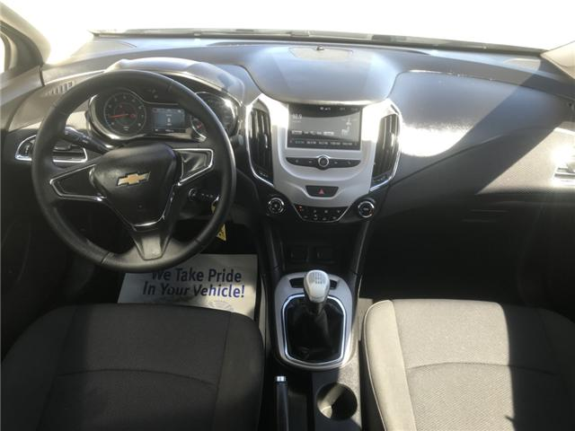 2017 Chevrolet Cruze LS Manual (Stk: 19267) in Chatham - Image 10 of 19