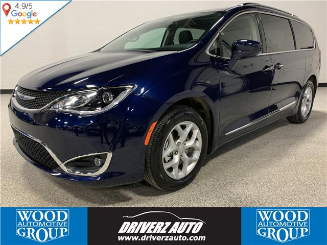 2018 Chrysler Pacifica Touring-L Plus (Stk: P11977) in Calgary - Image 1 of 17
