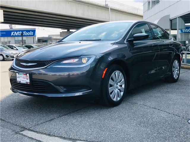 2017 Chrysler 200 LX (Stk: LF009970) in Surrey - Image 4 of 30