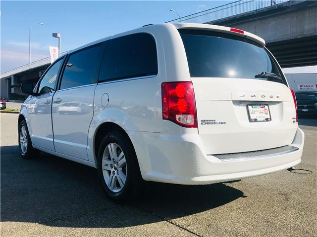 2018 Dodge Grand Caravan Crew (Stk: EE901870) in Surrey - Image 6 of 30
