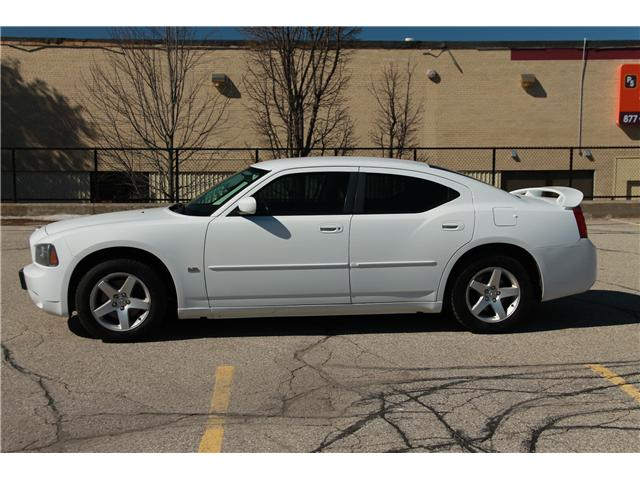2010 Dodge Charger SXT (Stk: 1902080) in Waterloo - Image 2 of 23