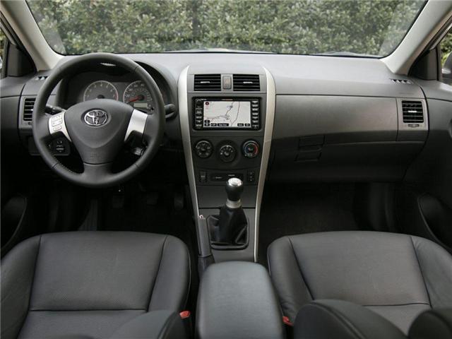 2010 Toyota Corolla  (Stk: U4622B) in Woodstock - Image 2 of 3