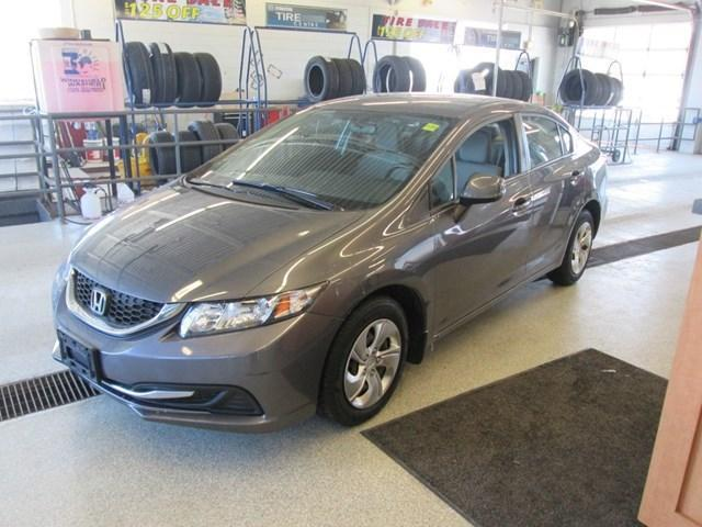 2014 Honda Civic LX (Stk: M2611) in Gloucester - Image 1 of 17