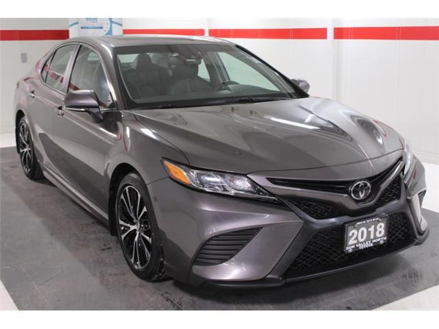 2018 Toyota Camry SE (Stk: 297588S) in Markham - Image 2 of 26