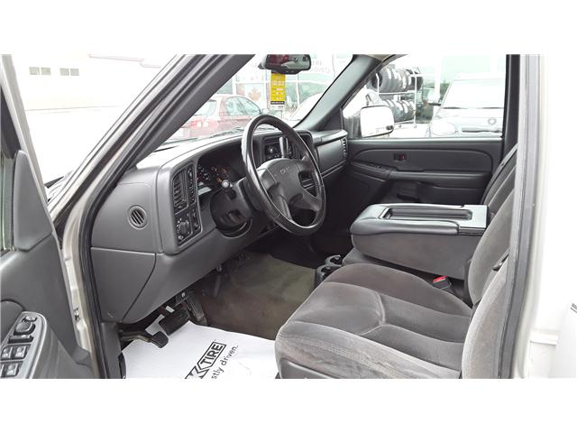 2004 GMC Sierra 2500 SLT (Stk: P431) in Brandon - Image 7 of 10