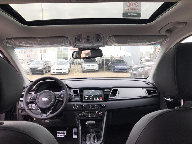 2019 Kia Niro SX Touring (Stk: 21633) in Edmonton - Image 4 of 18